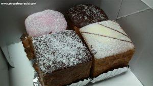 四角いシュークリームケーキ