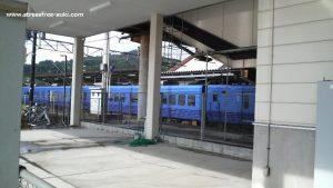 亀川駅に停車した特急ソニック
